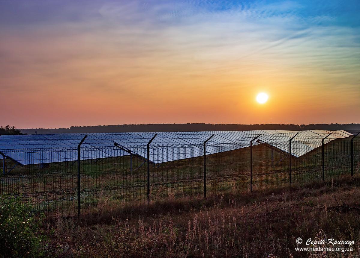Сонячна електростанція при дорозі Гнатків-Стіна